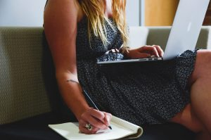 Perth copywriter and blogger Hannah moss writes about how to blog